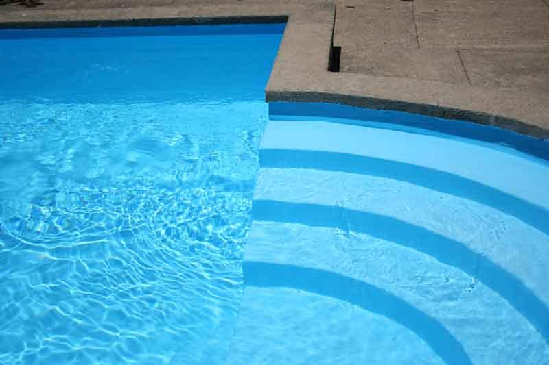 pintura azul para piscinas